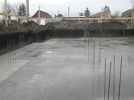 2013 április 11